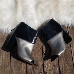 Sam Edelman Circus 7M Black Silver Peep Toe